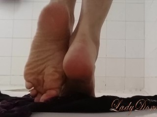 Sexy Feet In The Shower