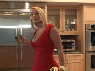 Mommy Sucks A Big Sausage In The Kitchen - Trailer Trash Films